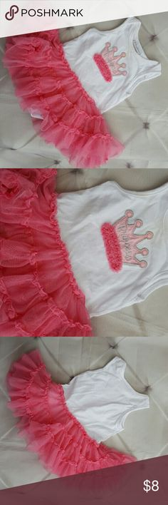 Baby Girl Frilly Princess Crown Onesie Dress 0-3M Baby girls first impressions brand, soft white knit onesie with pink crown applique embroidered on bodice. Frilly Pink petti ruffle skirt around bottom. Tagged size 0-3 Months . Great condition.   #ravenkittyminis #firstimpression #newborn #3months #Babygirl #princess #embroidered #crown #girly First Impressions One Pieces