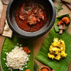 Kappa and fish curry: Mashed baked Tapioca flavored in tumeric and spices, served with fish curry or coconut chutney. (Image credit: Kerala gods own country) Veg Recipes, Seafood Recipes, Indian Food Recipes, Cooking Recipes, Healthy Recipes, Ethnic Recipes, Kerala Recipes, Kerala Fish Curry, Gastronomia