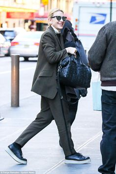 Make-up free Cate Blanchett shows off her glowing skin in New York  #dailymail