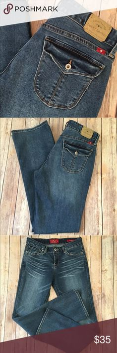 """Lucky Brand Jeans Leyla Boot Cut 8 29 x 32 Stretch Tag Size - 8/29 Waist Measured Across - 15.5"""" Inseam - 32"""" Rise - 9.5"""" Great used condition! Always open to reasonable offers. Lucky Brand Jeans Boot Cut"""