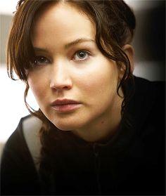 Jennifer Lawrence as Katniss Everdeen in The Hunger Games: Catching Fire The Hunger Games, Hunger Games Catching Fire, Hunger Games Trilogy, Suzanne Collins, Katniss And Peeta, Katniss Everdeen, Mtv, Liam Hemsworth, Mockingjay