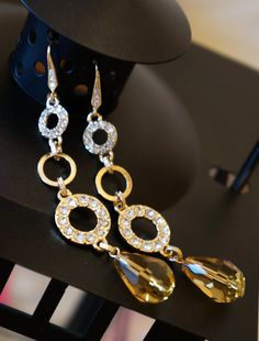 Luminous Topaz Chandelier Earrings Topaz Earrings  by VintagePinch #etsy #musthave #fbloggers #handmade #new #holidays #gifts #sale #fashion #fashionista #fashionblogger #momblogger #momfashion #teacherstyle #instyle #mystyle #anthropology #bostonblogger #sfblogger #nyblogger #chicagoblogger #vogue #latina