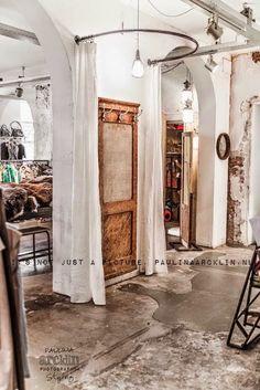 Decoracion de tiendas de ropa peque as buscar con google for Probadores de ropa interior