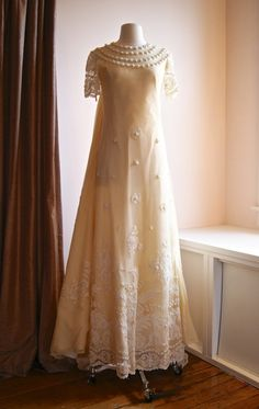 1960's Couture Champagne Alencon Lace Wedding Gown ~ Stunning!