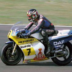 Barry Sheene 1983 - photo by Graham Etheridge Motorcycle Racers, Racing Motorcycles, Suzuki Bikes, Concept Motorcycles, British Grand Prix, Japanese Motorcycle, Old Bikes, Road Racing, Sport Bikes