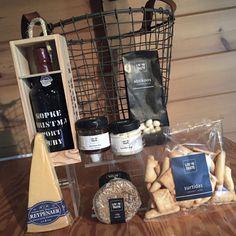 Boeren aardappelmand | Prezend Kerstpakketten Work Gifts, Tapas, Om, Food And Drink, Presents, Gift Ideas, Drinks, Gifts, Drinking