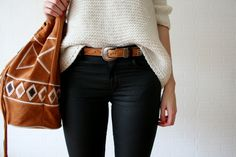 Boho fashion: knit sweater, denim and leather bag. Via Recklessjeunesse