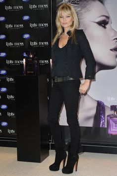 Kate Moss! All black outfit done right