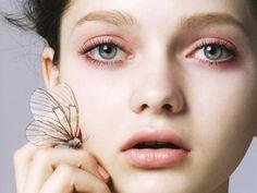 7 Ways to Get Mascara off Easily and other great makeup tips! Pale Makeup, Makeup Art, Makeup Tips, Makeup Looks, Makeup Light, Makeup Ideas, Clean Beauty, Beauty Make Up, Diy Beauty