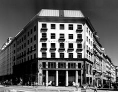 Adolf Loos, Looshaus (formerly Goldman & Salatsch tailoring), Vienna, 1909-1911