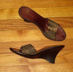 # Nine West Heeled Slides Sandals Size 8.5M Brown Gold Fabric Patterned