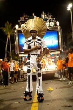 Brazil Carnival 2012 Carlinhos Brown with Kangoo Jumps boots