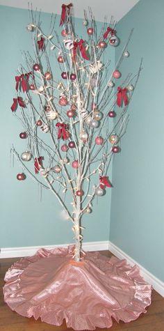 May Arts Christmas Tree