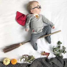 9 Ultimate Tips For A Newborn Baby Photoshoot With Spyne Monthly Baby Photos, Newborn Baby Photos, Baby Boy Photos, Cute Baby Pictures, Baby Harry Potter, Photo Harry Potter, Baby Kalender, Boy Photo Shoot, Foto Baby