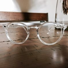 Clear Frame Pantos Glasses | New w/ tags | FREE microfiber glasses pouch | | Distributed in Los Angeles | PRICE IS FIRM. Insta @ yourstrulyadrishop  www.yourstrulyadri.com