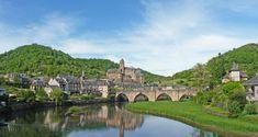 En route vers l'Aveyron en camping-car France Landscape, Beaux Villages, Excursion, Destinations, France Travel, Places To Visit, Mansions, Water, Estaing