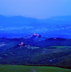 Castello Banfi by night | Photoblog | Life Beyond Tourism