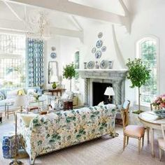 Style Profile: Amy Berry - The Glam Pad Traditional Interior, Classic Interior, Traditional House, Classic White Kitchen, Georgian Homes, Atlanta Homes, Southern Style, Old Houses, Decoration