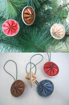 Enfin on trouve une utilité à ces dosettes après usage! Wheel Tree decorations, made with nespresso capsules. Christmas Crafts For Gifts, Kids Christmas, Christmas Ornaments, Cup Crafts, Crafts For Seniors, Xmas Decorations, Coffee Pods, Ideas, Coffee Crafts
