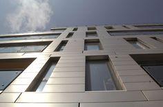Project: Southwark Bridge Road - Residential. Location: London, United Kingdom.Architect: Glas Architects Product: Hunter Douglas QuadroClad™ Façade system. #architecture #glas Architects #quadro Clad #facades #metal #hunter douglas