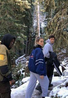 Cute Friend Pictures, Friend Photos, Cute Friends, Best Friends, Mode Au Ski, Ski Season, Look Girl, Jolie Photo, Friend Goals