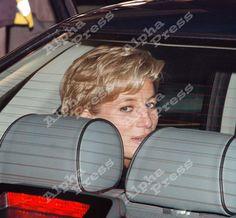 29/10/96 LONDON HEATHROW AIRPORT..PRINCESS DIANA LEAVING FOR AUSTRALIA.