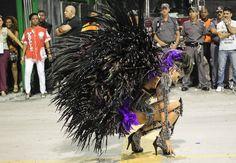Mocidade Alegre desfila no Sambódromo do Anhembi em São Paulo - Fotos - UOL Carnaval 2013