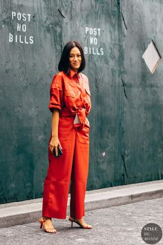 New York SS 2019 Street Style: Tiffany Hsu - STYLE DU MONDE | Street Style Street Fashion Photos Tiffany Hsu Fall Fashion Week, New York Fashion Week Street Style, Spring Street Style, Autumn Fashion, Copenhagen Style, Fashion Lookbook, Couture Week, Cool Outfits, Fashion Dresses