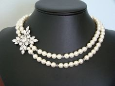 Gorgeous vintage looking wedding necklace