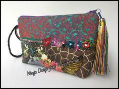 Clutch bag,  animal print , colorful and Rhinestones. Bolso  de mano con detalles de animal prints, colores super  divertidos y brillantes