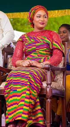 Kente Styles Mixed With Lace Attires For African. kente styles with lace fabrics have always created Latest African Fashion Dresses, African Dresses For Women, African Print Fashion, African Attire, African Prints, Kente Dress, Ghana Fashion, Kente Styles, African Fashion Designers