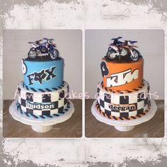 Back to front, dirt bike cake - FOX racing / KTM racing Fox Racing, Racing Cake, 9th Birthday Cake, Boy Birthday, Fox Motos, Bike Storage Design, Dirt Bike Cakes, Motorcycle Cake, Cakes For Boys