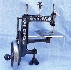 Pansy TSM Sewing Machine ...It clamps on to the table top! #antiquesewingmachines