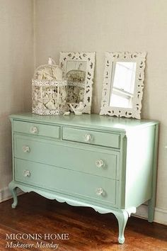 Shabby chic bedroom furniture old dressers 17 Ideas Shabby Chic Dresser, Shabby Chic Bedroom Furniture, Shabby Chic Apartment, Chic Decor, Chic Bedroom, Shabby Chic Decor Bedroom, Furniture Makeover, Shabby Chic Furniture, Shabby Chic Room