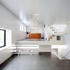 8 levels in a three-storey-high house in Osaka by japanese architect Shogo Iwata