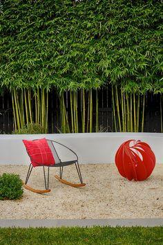 57 Bamboo Fence Ideas for Small Houses - Modern Rustic Landscaping, Garden Landscaping, Gravel Garden, Garden Fencing, Rocks Garden, Bamboo Landscape, Landscape Design, Green Landscape, Small Gardens