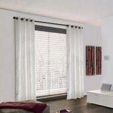 Las cortinas__Las cortinas en mi dormitorio van a ser largas y blancas.