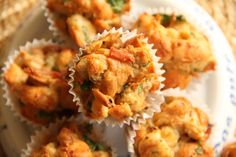 yummy muffin: Velikonoční muffin Cauliflower, Vegetables, Ethnic Recipes, Food, Cauliflowers, Essen, Vegetable Recipes, Meals, Cucumber