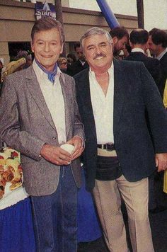 """Neckerchief, creased jeans, and a fanny pack. """"What is 'old people stuff'?"""" Deforest Kelley with James Doohan. Rest in peace to both of them. Star Trek Crew, Star Trek Tv, Star Trek Series, Star Trek Original Series, Star Wars, Star Trek Actors, Star Trek Characters, Science Fiction, Star Trek Images"""