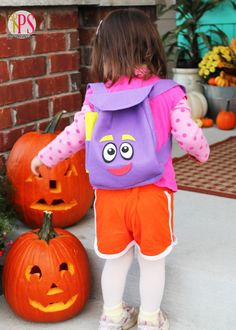 Sew a Dora the Explorer backpack with this step-by-step tutorial with free PDF pattern. Perfect for a Dora the Explorer Halloween costume! Mochila Dora, Dora Costume, Dora Backpack, Sewing Crafts, Sewing Projects, Backpack Pattern, Dora The Explorer, Diy Costumes, Diy Party