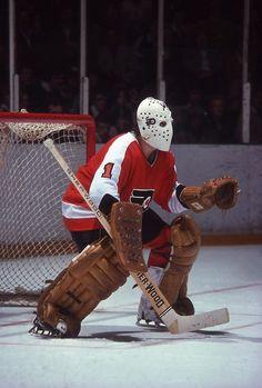 Hockey Goalie Pads, Flyers Hockey, Hockey Players, Ice Hockey, Hockey Sport, Bernie Parent, Maple Leafs Hockey, Phillies Baseball, Philadelphia Sports