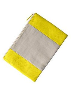 Two-tone canvas clutch from Gap... So cute and LOVE the price!