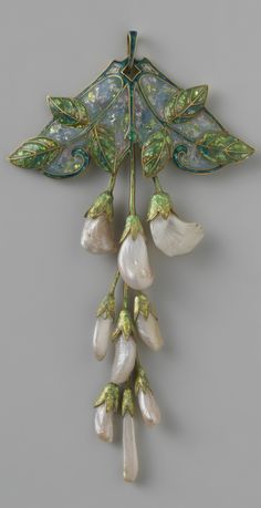 An Art Nouveau gold, enamel and pearl & # Wisteria & # Pendants, from . - An Art Nouveau gold, enamel and pearl & # Wisteria & # Pendant, by Georges Fouquet and … - Jade Jewelry, Sea Glass Jewelry, Jewelry Art, Antique Jewelry, Vintage Jewelry, Jewelry Design, Fashion Jewelry, Jewellery, Crystal Jewelry