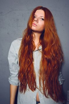 Really Long Red Hair  Hopefully my hair will be this long one day (minus the middle part)