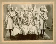 old photo of patriotic girls