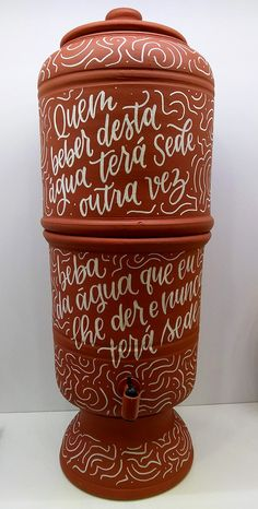 filtrodebarropersonalizado Mexico Party, Different Lettering, Surf House, Diy Spa, Pottery Studio, Creative Decor, Hand Painted Ceramics, Decoration, Diy Gifts