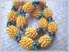 Ribbon Pineapple Lei with Kukui Nuts Money Lei, Money Origami, Ribbon Lei, Diy Ribbon, Ribbon Crafts, Hawaiian Flowers, Hawaiian Leis, Hawaiian Crafts, Pineapple Art