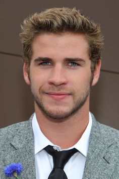 Liam Hemsworth Is Officially Single