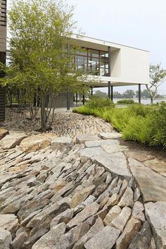 using native materials as a part of the site design Reed Hilderbrand, Old Quarry, Ct. I like the way the stone is used to create movement instead of just plain pea gravel. Landscape Architecture, Landscape Design, Architecture Design, Garden Stones, Garden Paths, Modern Landscaping, Garden Landscaping, Landscaping Software, Garden Inspiration