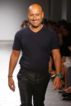 Ángel Sánchez,  diseñador de moda venezolano.